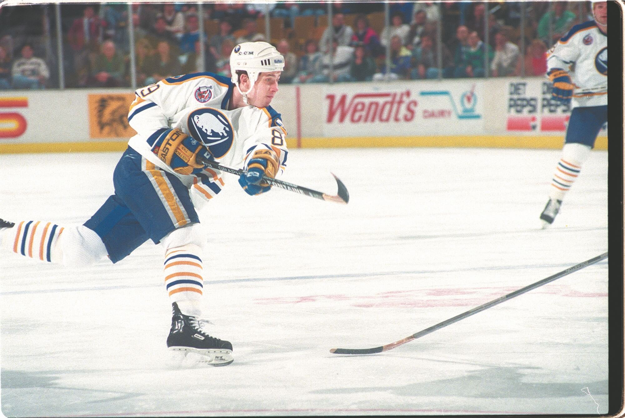 Today in Hockey History- Alexander Mogilny is the 1st Player to Defect From the Soviet Union to Play in the NHL | Hockey Players Club Blog