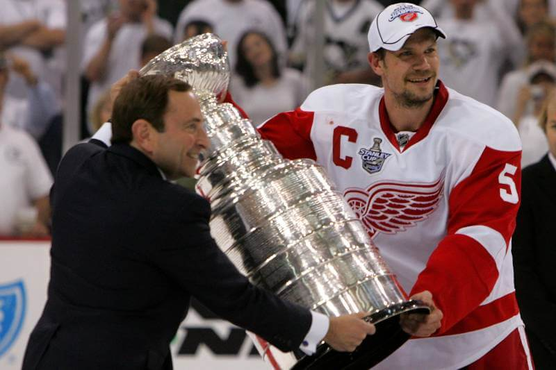 Today in Hockey History- Nicklas Lidstrom Becomes the 1st European-Born Captain To Win the Stanley Cup | Hockey Players Club