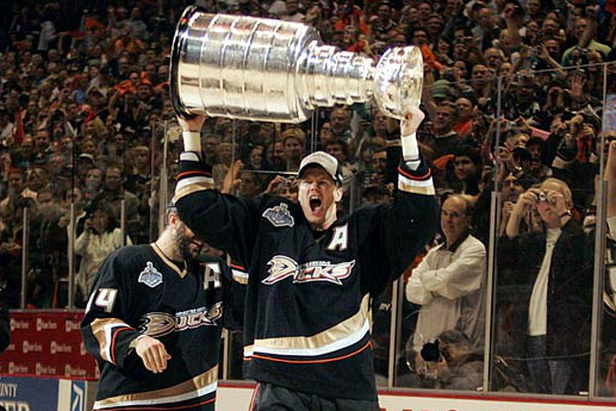 Today in Hockey History- The Ducks Acquire Chris Pronger the Summer Before Winning 2007 Stanley Cup | Hockey Players Club Blog