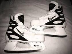 white nike skates
